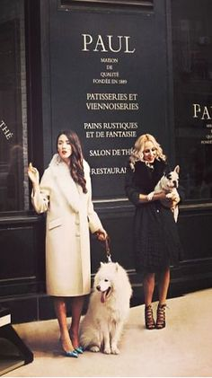 What I shall wear… When I treat the pups to eclairs at Pâtisserie Paul, Paris. Parisian Girl, Parisian Style, Parisienne Chic, Salwar Designs, Audrey Tautou, Audrey Hepburn, Rock En Seine, Tuileries Paris, Jandy Nelson