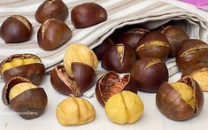 Chestnut Recipes, Biscotti, Barbecue, Stuffed Mushrooms, Food And Drink, Vegetables, Cooking, Desserts, Vegetarian