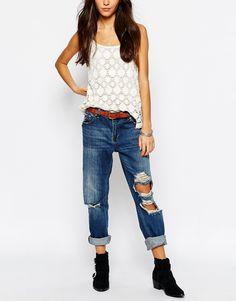Bild 1 von Pull&Bear – Boyfriend-Jeans mit Rissen und niedrigem Bund