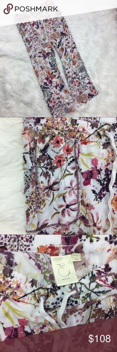 "Anthropologie Eloise Marche Aux Fleurs Lounge Pant •Anthropologie Eloise Floral Lounge Pants •Women's Size Small •In excellent used condition •Elastic waist with ties •Front Pockets  •100% rayon •All measurements are approximate: 15.5"" across Waist (plus stretch), 28"" inseam, 8.5"" across ankle Anthropologie Pants"