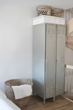Lockers are a great storage option for the laundry/mud room Repurposed Lockers, Vintage Lockers, Ikea Lockers, Metal Lockers, Gym Lockers, Interior Exterior, Home Interior, Interior Decorating, Interior Design