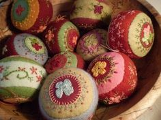 so pretty... embroidered felt balls by beulah