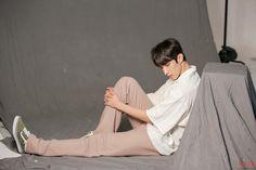 [세븐틴] 도겸의 '씬플레이빌' 화보 촬영 현장 비하인드! : 네이버 포스트 Seventeen Lee Seokmin, Jeonghan Seventeen, Picture Credit, Ulzzang, Kdrama, Magazines, Finger, Alice, Kpop