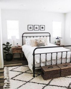 Most current Photographs Farmhouse Bedding room Suggestions Farmhouse style bedding has a certain feel to it. Light, clean , crisp, neutral and rustic are just #Bedding #current #Farmhouse #Photographs #room #Suggestions Farmhouse Bedroom Decor, Home Bedroom, Modern Bedroom, Budget Bedroom, Gray Bedroom, Bedroom Rugs, Ikea Bedroom, Bedroom 2018, Bedroom Storage