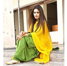 Indian Salwar Kameez, Salwar Suits, Patiala, Kurti Styles, Blouse Styles, Panjabi Suit, Gray Groomsmen Suits, Salwar Designs, Mehndi Designs