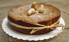 Torta con farina di castagne, pere, cioccolato.