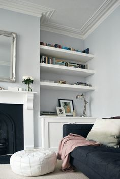 Home decorating ideas living room grey walls, white details, victorian living room – awesome home design ideas and decor Living Room Grey, Living Room Interior, Home Living Room, Living Room Designs, Living Spaces, Apartment Living, Diy Interior, Alcove Ideas Living Room, Corner Sofa Living Room