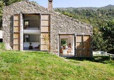 Oude stenen stal omgebouwd tot moderne hideaway