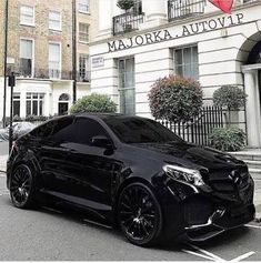 Mercedes Gle Coupe My 👁 🍭 ❤️❤️❤️ Mercedes Suv, Best Luxury Cars, Luxury Suv, Dream Cars, Allroad Audi, Benz Suv, Lux Cars, Amazing Cars, Limousin