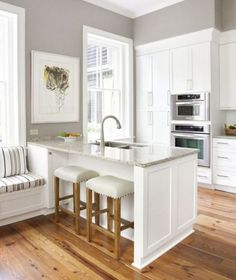 Maximizing the Existence of Kitchen Island with Sink