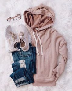 cute and comfy outfits Cute Teen Outfits, Cute Comfy Outfits, Teenager Outfits, Outfits For Teens, Pretty Outfits, Stylish Outfits, Fall Outfits, Shop This Look Outfits, Hipster School Outfits