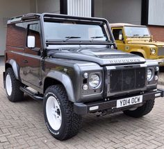 Land Rover Defender 90 Td4 hard top customized Twisted ICON in the beauty of handcrafted automotive (It's still the same model!)Lobezno.