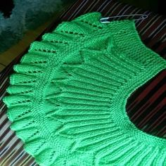 Shawl, no pattern This Pin was discovered by Tel Yoke of Leaf Lace Baby Sweater. Öegü Örgü [] # &l Baby dress with a wonderful collar pattern Baby Knitting Patterns, Crochet Baby Dress Pattern, Baby Dress Patterns, Shawl Patterns, Knitting Stitches, Knitting Designs, Baby Pullover, Baby Sweaters, Pulls