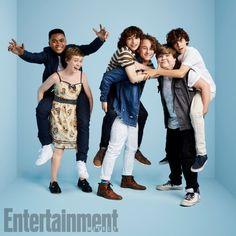 IT: Chosen Jacobs, Sophia Lillis, Finn Wolfhard, Wyatt Oleff, Jeremy Ray Taylor, and Jack Dylan Grazer at San Diego Comic Con 2017 SDCC (photo via Entertainment Weekly)