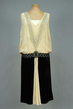 Robe de soirée en soie panne enroulée en strass, ca.Années 1920