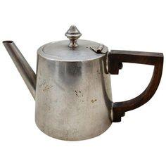 French Naval Medical Art Deco Mini Tea Pot & Diffuser (195 BRL) ❤ liked on Polyvore featuring home, kitchen & dining, teapots, coffee & tea service, tea-pot, miniature tea pots, miniature teapots, tea pot and mini tea pot