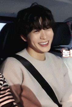 jaehyun uploaded by 黄旭熙 on We Heart It Jaehyun Nct, Jooheon, Smile Gif, Nct Johnny, Valentines For Boys, Jung Yoon, Jung Jaehyun, Drama, Korean Men
