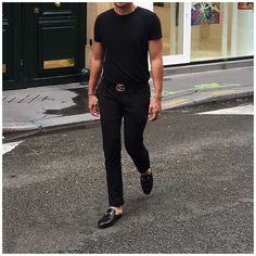 Gucci Slippers Mens, Gucci Loafers Mens, Mens Gucci Belt, Black Loafers Outfit, Backless Loafers, Gucci Outfits, Stylish Men, Madrid, Menswear