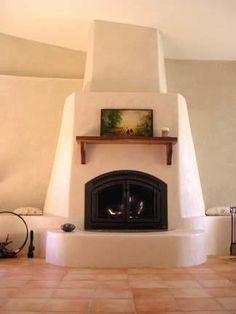 Straw bale kiva fireplace-my Arizona house needs this one! Home Fireplace, Fireplace Design, Fireplace Ideas, Fireplaces, Adobe Haus, Southwestern Home, Southwest Style, Tadelakt, Straw Bales