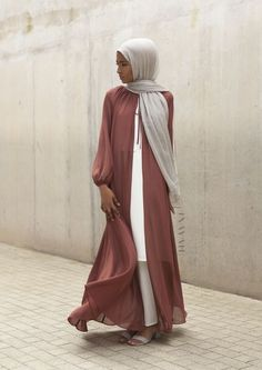 Open abaya hijab style – Just Trendy Girls Islamic Fashion, Muslim Fashion, Modest Fashion, Fashion Outfits, Muslim Dress, Hijab Dress, Hijab Outfit, Modest Dresses, Modest Outfits