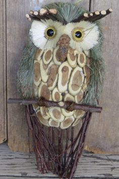 OWL WALL HANGING Rustic Pine Cone Wood Bird Art NICE CHRISTMAS INTERIOR DECOR