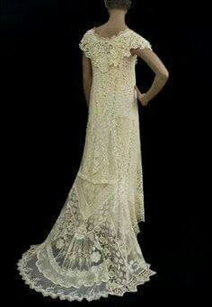 1920's wedding dress of mixed laces