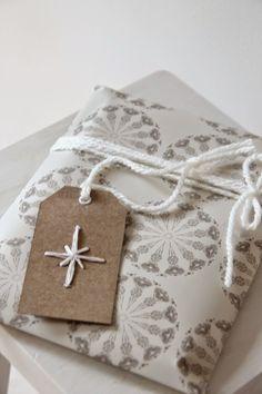 etiquetas navideñas bordadas