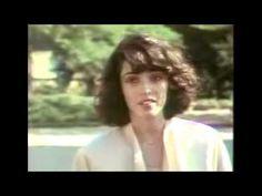 @ . /NAGYON SZÉP FILM !!/Felhővalcer (Cloud Waltzing, 1987) Egy anorexiás amerikai lány ki akar lépni apja keményfejűségéből és cégéből, ahol soha nem érezte jól magát, mert nem tudt... Gloomy Sunday, Anorexia, Lany, Cinema, Youtube, Movies, Movie Nights, German, Google