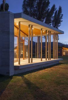 Tumbaco Cabins / Diez + Muller Arquitectos