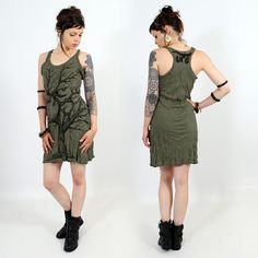 ''Ohm tree'' dress, Khaki : Sleeveless dress // Great and very detailed print // Slightly loose-fitting cut, which follows your body lines. Spiritual Tribal Yoga Boho Festival Look ❃ 15€ ▲◊↕◊▲ Toonzshop is a trip in an Alternative Universe of independent artists, brands and designers.