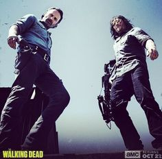 Rick Grimes and Daryl Dixon in The Walking Dead Season 8 The Walking Dead Saison, Walking Dead Season 8, Fear The Walking Dead, San Diego Comic Con, Norman Reedus, Daryl And Rick, Best Tv Series Ever, Stuff And Thangs, Rick Grimes