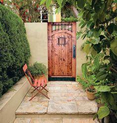 Best Old Door Wood Garden Gates 64 Ideas Front Gates, Entrance Gates, Entrance Ideas, Backyard Gates, Outdoor Gates, Garden Doors, Garden Gate, Fence Doors, Cheverny