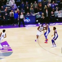 @swipathefox with the clutch game-winning bucket!!! Check lcmiiiproductions.com for more beats! . . . . . #nba #nbahighlights #clutch #sacramento #kings #sacramentokings #vs #philadelphia #sixers #philadelphia76ers #gamewinner #dreams #goals #business #music #musicproduction #musicproducer #hiphop #rap #culture #marketing #flipagram #instagram #insta  @flipsidemoton