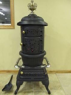 Rare Antique 1893 Brand & Co #25 Ornate wood Parlor Stove /Museum quality / MINT