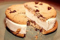 ice cream & cookie = heaven