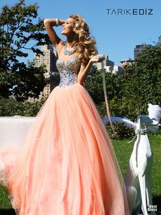 Prom Dresses Glistening Sweetheart Tulle Prom Dress Beaded With Shiny Rhinestone , You will find many long prom dresses and gowns from the top formal dress designers and all the dresses are custom made with high quality Prom Dress 2014, Cute Prom Dresses, Long Prom Gowns, Sweet 16 Dresses, Tulle Prom Dress, Pageant Dresses, Homecoming Dresses, Pretty Dresses, Bridal Dresses