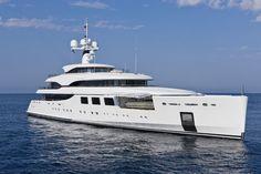 Hoy te llevamos a navegar sobre los #yates más #lujosos del mundo. http://duarrydifusion.com/videos-de-yates-viaja-como-una-estrella/