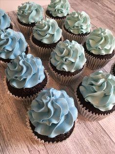 Blue ombré cupcakes
