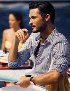 Very handsome model from a Tommy Hilfiger ad. Sharp Dressed Man, Well Dressed Men, Fashion Moda, Mens Fashion, Style Fashion, Fashion Menswear, Stylish Men, Men Casual, Smart Casual