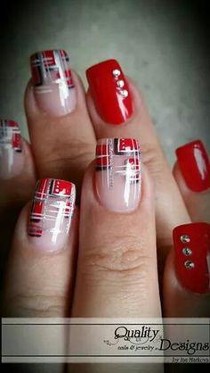 San Valentín uñas rojas