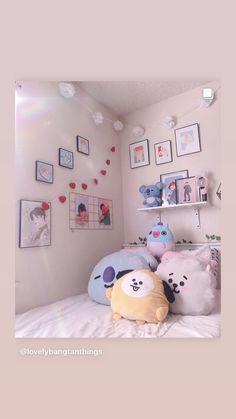 Cute Room Ideas, Cute Room Decor, Room Ideas Bedroom, Bedroom Decor, Army Bedroom, Army Room Decor, Study Room Design, Kawaii Room, Aesthetic Room Decor