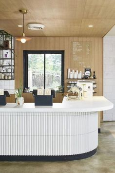 restaurant counter Where to Eat in Austin: A Foodies Guide - The Effortless Chic Cafe Bar Counter, Coffee Shop Counter, Restaurant Counter, Coffee Shop Bar, Restaurant Guide, Modern Restaurant, Modern Cafe, Coffee Shops, Coffee Coffee