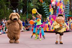 Disney World | Hollywood Studios | Pixar Pals Countdown to Fun Parade
