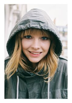 Lucy Rose I crave to come see you play !