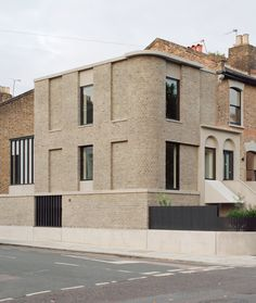 31/44 Architects updates the London terrace with Corner House
