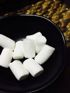 FROZEN MARSHMALLOW, 今度は、冷凍させる人が出てきた…! () Convenience Store, Dairy, Cheese, How To Make, Recipes, Food, Convinience Store, Recipies, Essen