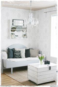 olohuone,kartanotyyli,koristetyynyt,vanhanaikainen,vuodesohva