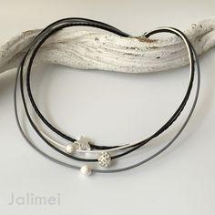 Ledercollier / Kette schwarz-grau-weiß mit Stern - Glitzer