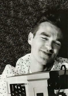 Morrissey with his typewriter in Kensington, London in July 1984 -- photo by Tom Sheehan.