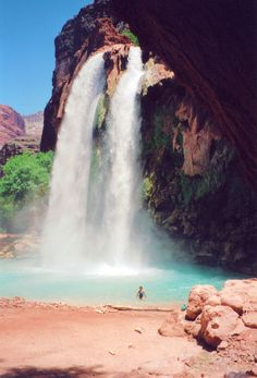 A side branch of the Grand Canyon that can only be reach by foot or horseback. The waters plunge over Navajo Falls, Havasu Falls Mooney Falls on the way to the Colorado River about ten miles away from Supai Village. Places Around The World, Oh The Places You'll Go, Places To Travel, Places To Visit, Around The Worlds, Dream Vacations, Vacation Spots, Adventure Is Out There, Adventure Time